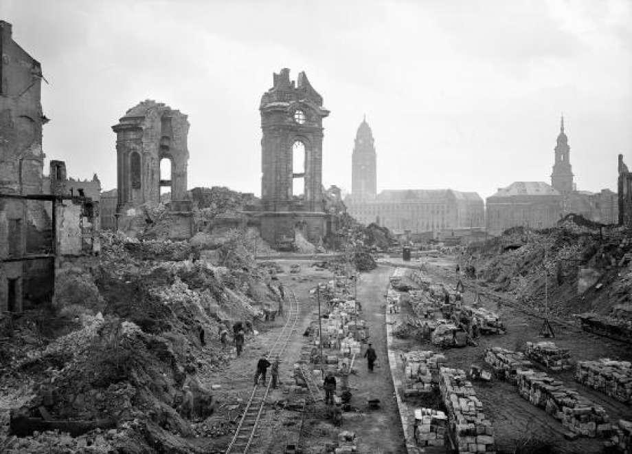 كيف قامت ألمانيا بإعادة الإعمار بعد الحرب العالمية الثانية؟
