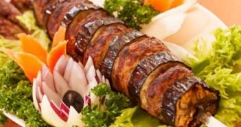 طريقة تحضير كباب بلحم الغنم التركي مع الباذنجان