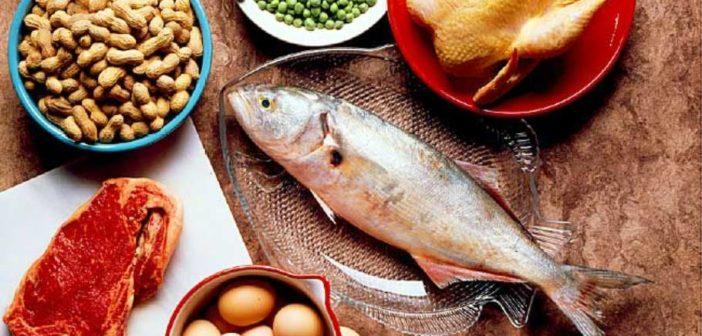 ماذا يحدث لجسمك بعد تناول الكثير من البروتينات