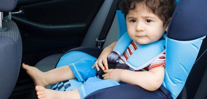 نصائح للتخفيف إعياء طفلك في السيّارة