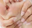 هكذا تتجنب وجع القدمين بسبب المشي وضغط الوزن Aching feet