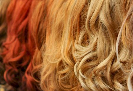بعض الوصفات الطبيعية لتلوين الشعر